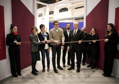 Taglio del nastro all'inaugurazione della mostra Passioni e emozioni